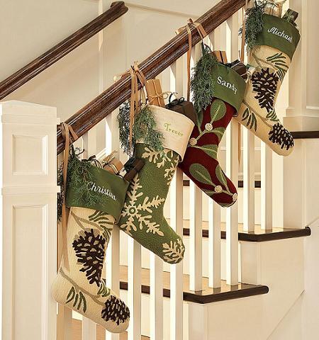 Ideas de como decorar las escaleras en navidad ideas for Decorar subida de escalera