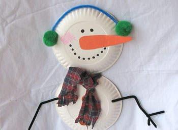 Como Hacer un Muñeco de Nieve con Platos Desechables
