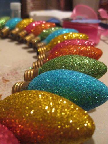 Decorar luces con diamantina de colores ideas consejos - Bombillas decoradas ...