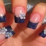 flores pintadas en uñas