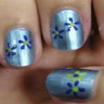 hacer flores en las uñas