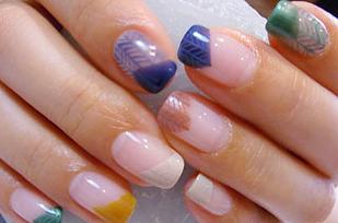 pintar uñas con espigas