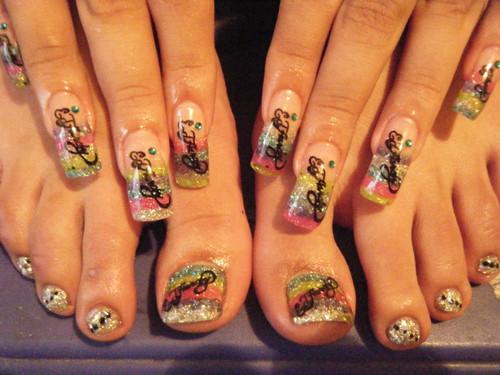 Combinar uñas manos y pies