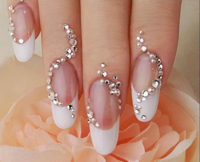 uñas decoradas con pedreria